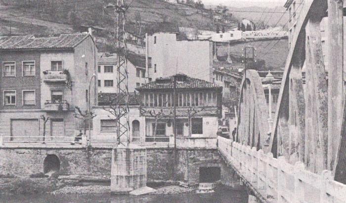 Puente de La Oscura, El Entrego